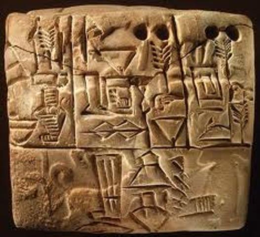 Sumerians carve pictographs