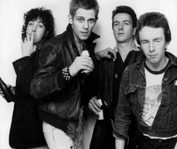 music videos are more esablished (the clash londons calling)