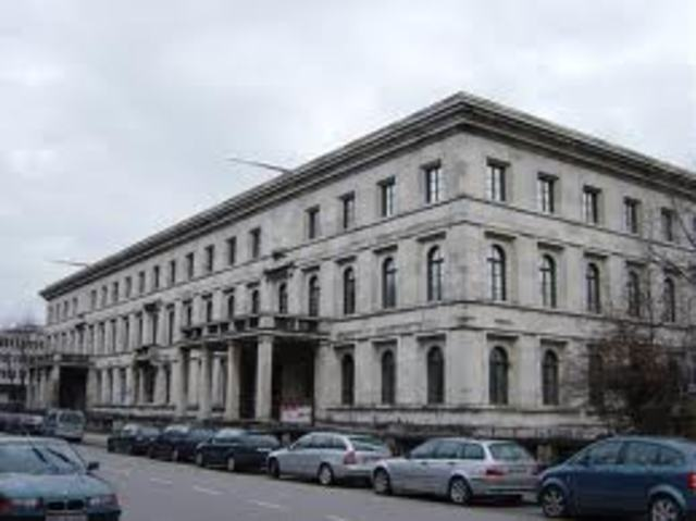 Orff studied at the Munich Academy of Music until 1914