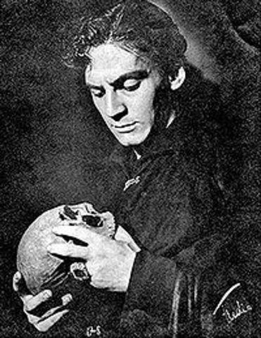 Escribe un ensayo sobre Hamlet