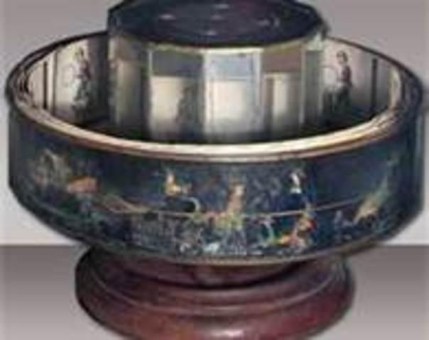 Reyhand exhibts a much larger version of a prazinoscope