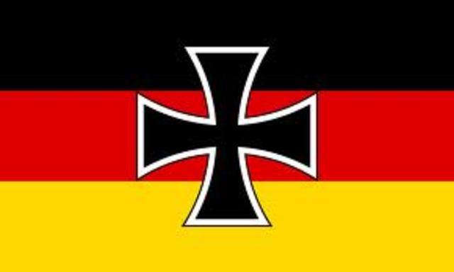 Kaiser Wilhelm abdicated. Weimar Republic declared.
