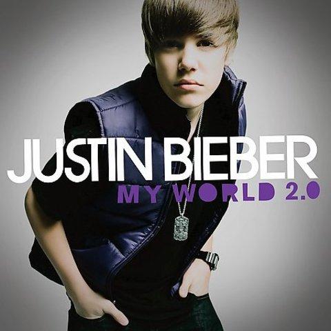 Su primer álbum de estudio completo, My World 2.0,
