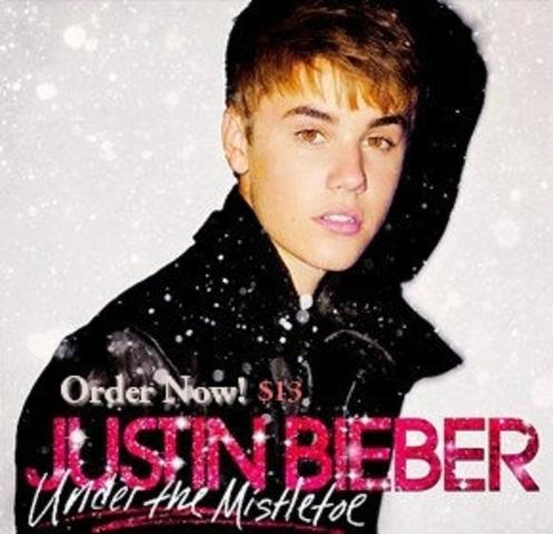 Salió a la venta su segundo álbum de estudio titulado Under the Mistletoe.