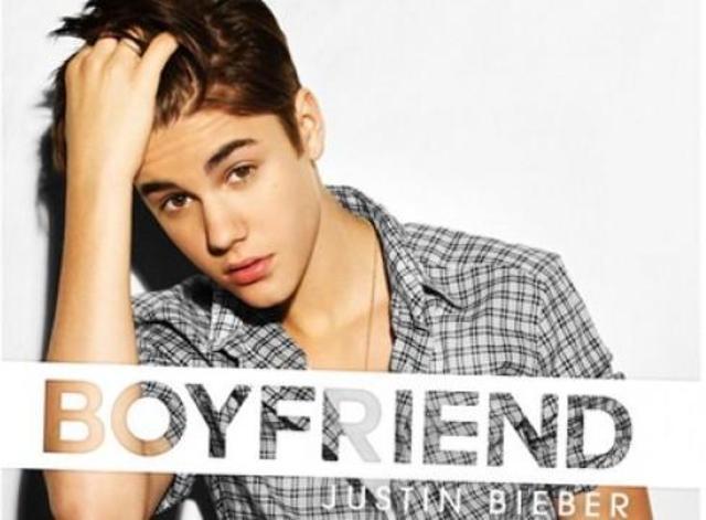 Fue invitado al programa The Ellen DeGeneres Show y reveló que el primer sencillo de su nueva producción se llamaría Boyfriend