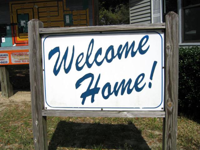 Elyse comes home
