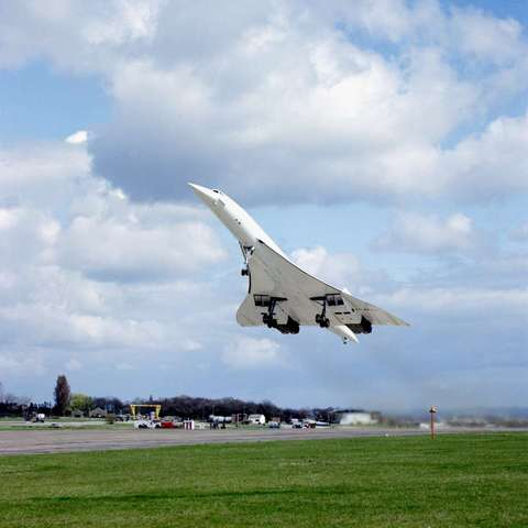 First flight of the last Concorde