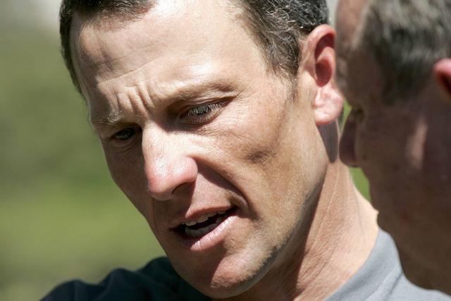 Armstrong reprend sa carrière cycliste