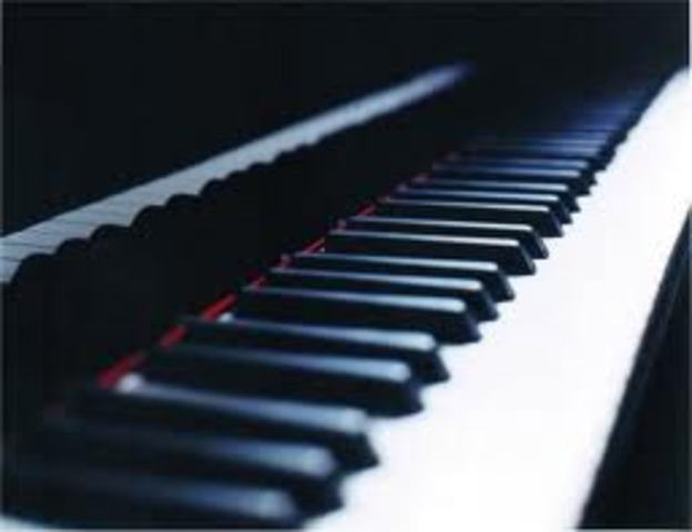 Él aprendió el piano