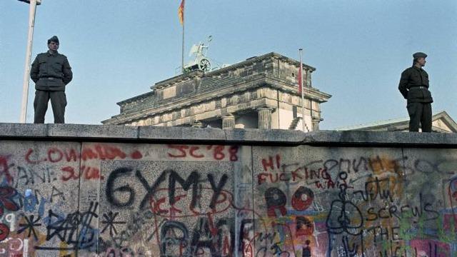 Berlinmurens fall, del 1