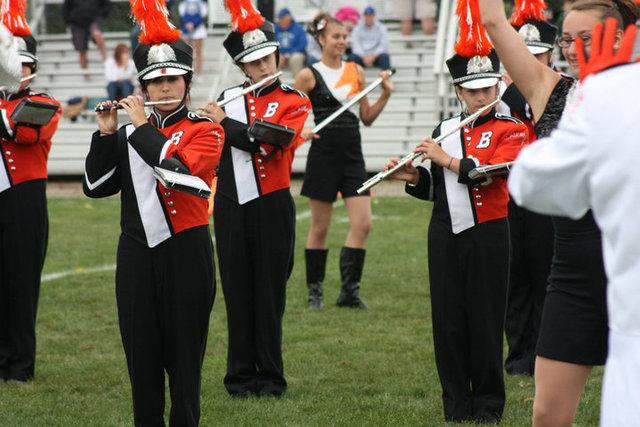 Hace 6 años y un mes que empezé tocar la flauta en la banda de marcha en la escuela secundaria.