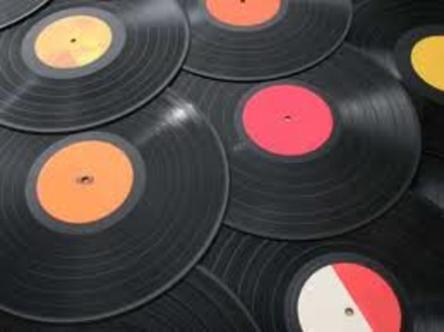 Hace seis años que colecciono discos.