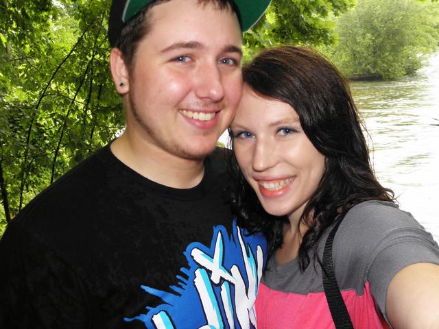 Hace ocho meses que estoy con mi novio Mark.  Lo amo mucho.