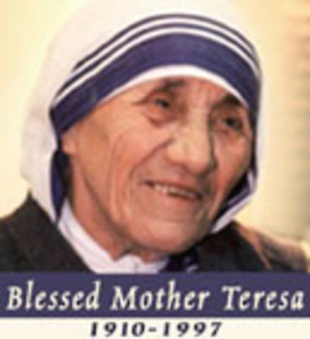 Mother Teresa Biography (1910-1997)
