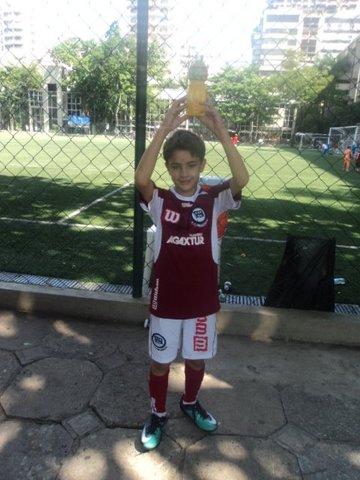Futebol no Clube pela Primeira vez.