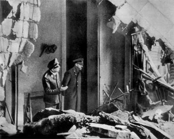 Hitler se suicider