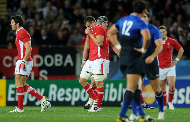 Wales lose 9-8 to France in World Cup semi-final