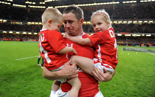 Wales well beaten by Australia in Shane Williams' last game