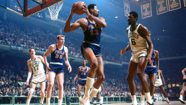 Wilt gets traded to the Philidelphia 76ers