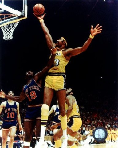 Wilt gets traded to the Los Angeles Lakers