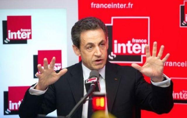 Sarkozy remet le casque