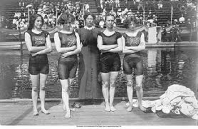 Première femme en natation
