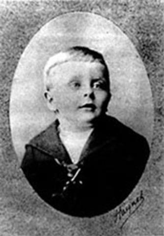 Francis Scott Key Fitzgerald is born in St.Paul, Minnesota