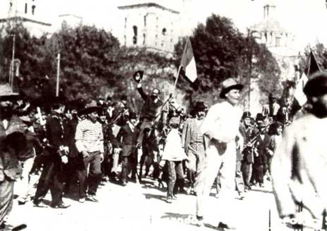 Félix Díaz se revela en Veracruz contra el gobierno de Madero.