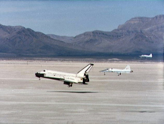 Space Shuttle Columbia Lands In White Sands