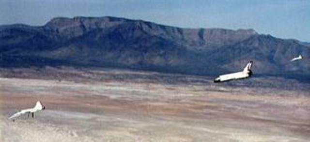 Space shuttle Columbia lands at White Sands
