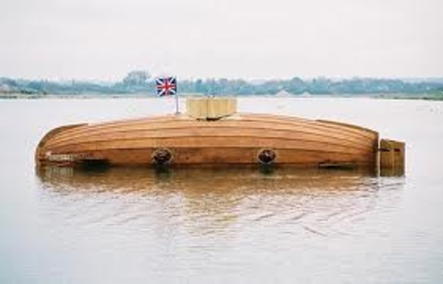 first submarine