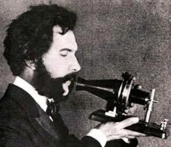 Alexander Graham petentes telephone