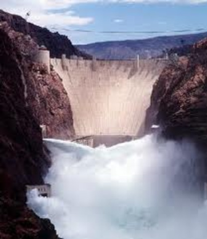 Edison designs first hydroelectric plant