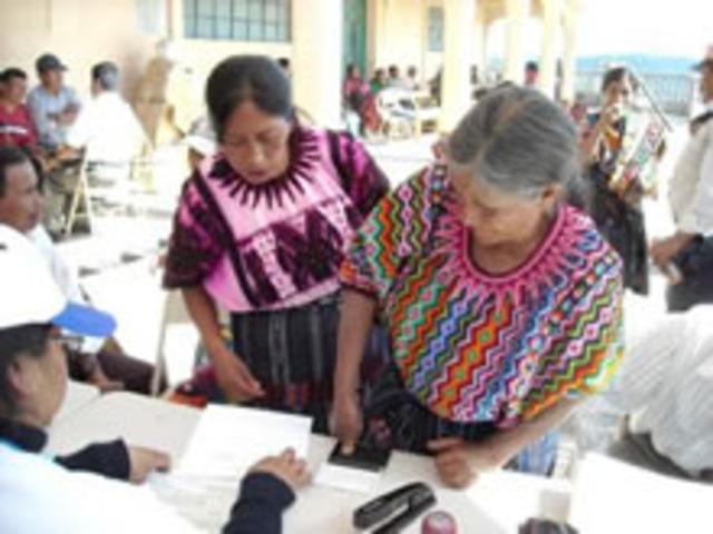 Suscripción del Acuerdo Marco entre SG/OEA y el Gobierno de Guatemala.