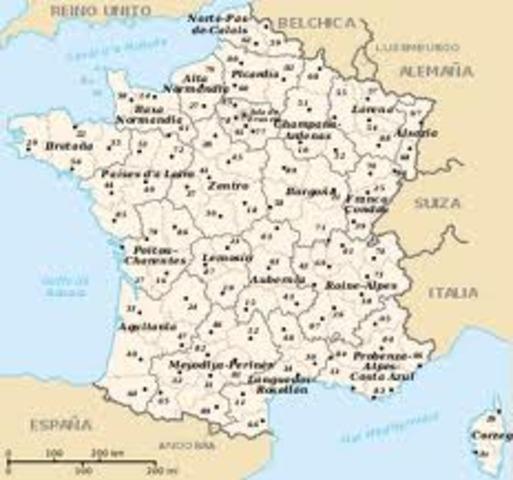 Se aprueba la división territorial de Francia en 83 departamentos, departamentos, que reemplazan a las antiguas regiones feudales.
