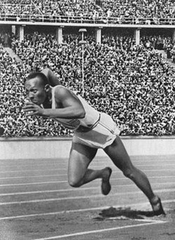 Jesse Owens Wins The 100m Sprint