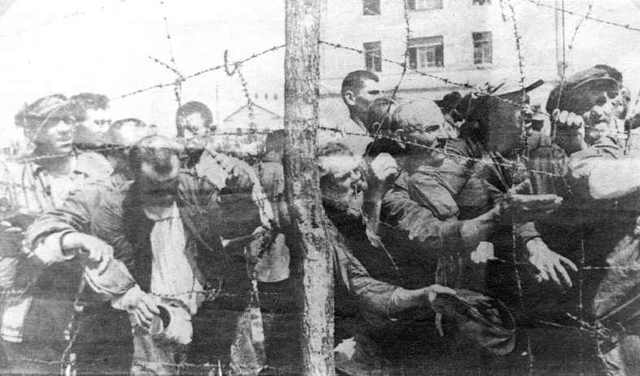 Vladek  captured and sent to POW camp