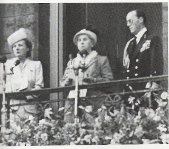 koningin Wilhelmina treed af