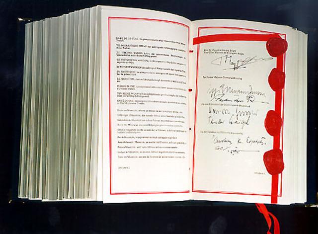Euroopa Liidu riigid sõlmisid Maastrichti lepingu