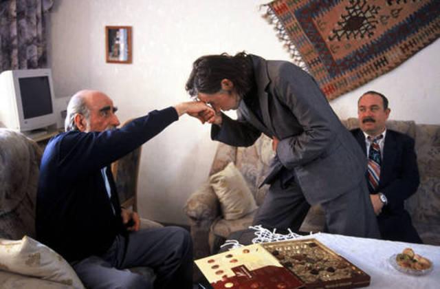 Cahit fragt der Vater nach Sibels hand