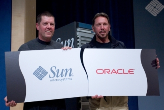 Sun Microsystems es adquirida por Oracle Corporation.