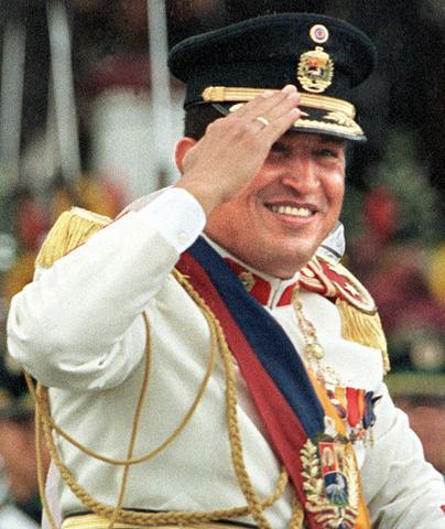 Chávez gana elecciones. Estados Unidos lo felicita