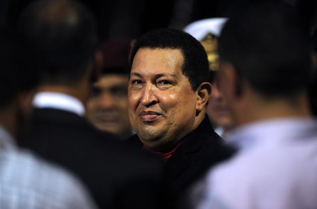 Chávez comparece ante la prensa para desmentir rumores sobre el deterioro de su salud, luego de que el diario estadounidense Nuevo Herald publicara que había sido internado de urgencia.