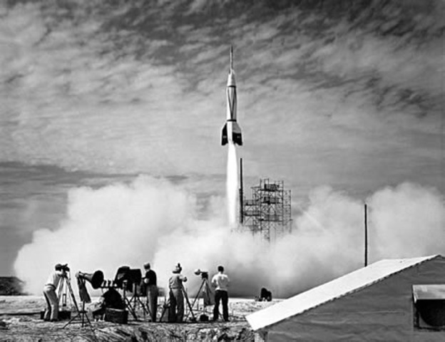 first u.s rocket to reach the egde of space