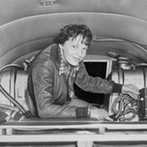 Amelia Earheart crosses the Antlantic