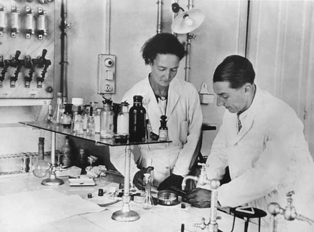 Frederic and Irene Joliot-Curie Discover New Radioactive Isotopes