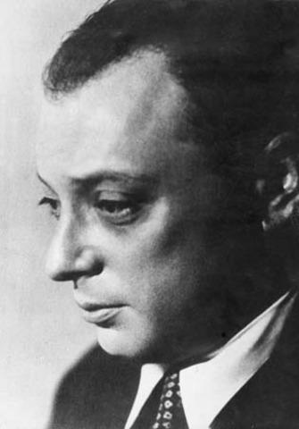 Wolfgang Pauli Develops the Pauli Exclusion Principle