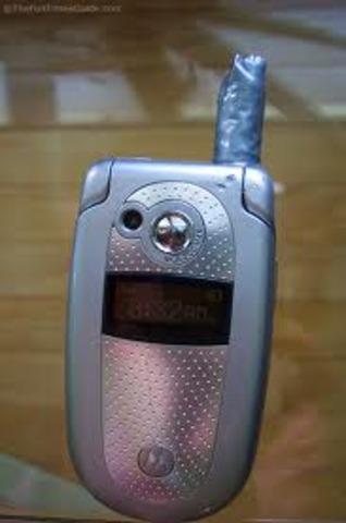 flip phone cell phone