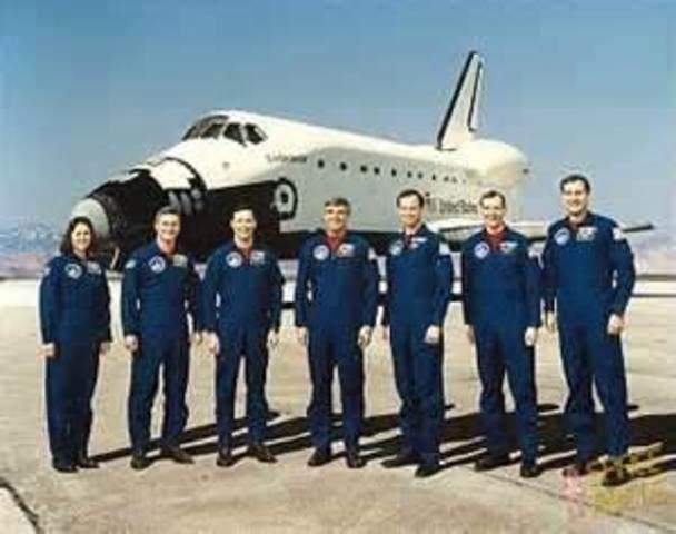 First Endeavour flight. 奮進號首次太空飛行