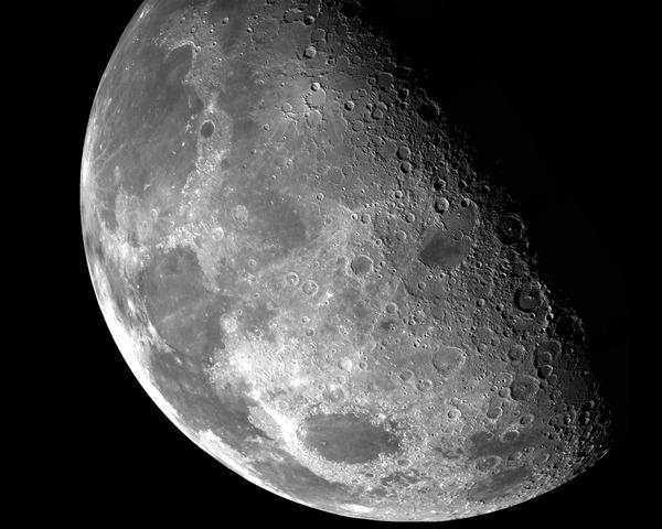 Galileo observes moon